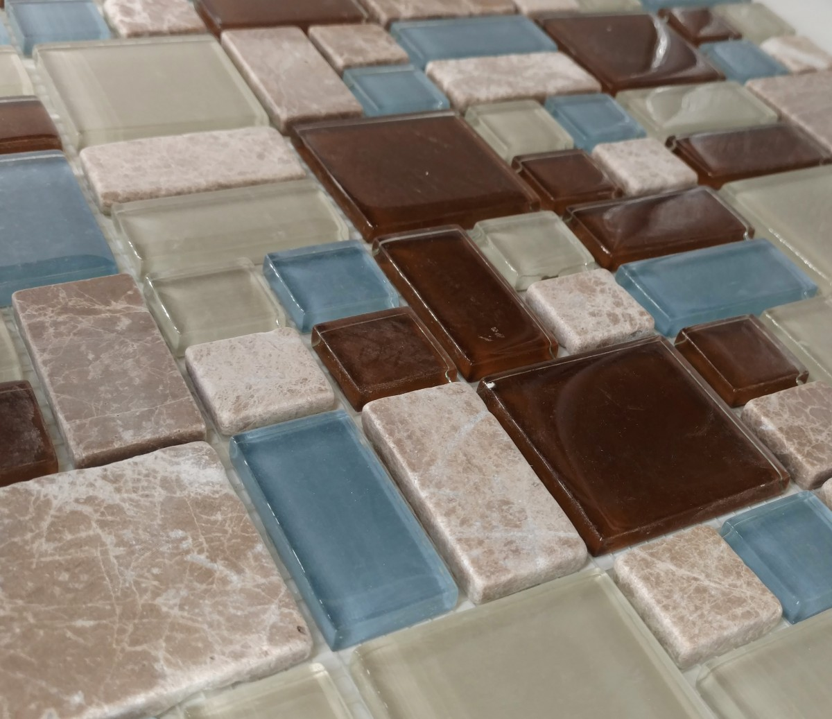 Puzzle pattern stone glass glass tile home puzzle dailygadgetfo Gallery